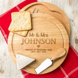 normal_personalised-wedding-cheese-board-and-knives-set