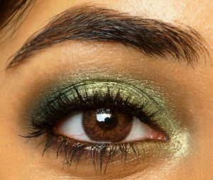 smoky-green-eye-makeup-tutorial-with-sleek-garden-of-eden-eye-shadow-palette-2