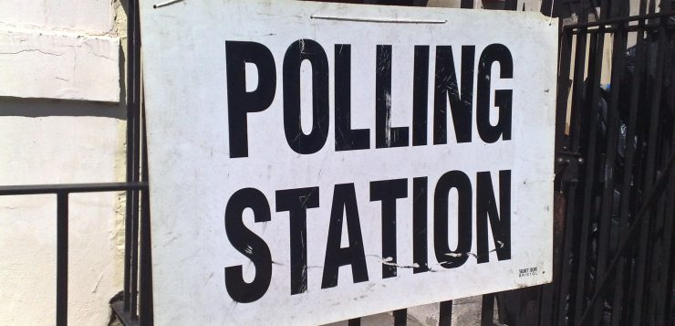 "Credit: secretlondon123 (https://commons.wikimedia.org/wiki/File:Polling_station_6_may_2010.jpg), ""Polling station 6 may 2010"", https://creativecommons.org/licenses/by-sa/2.0/legalcode"