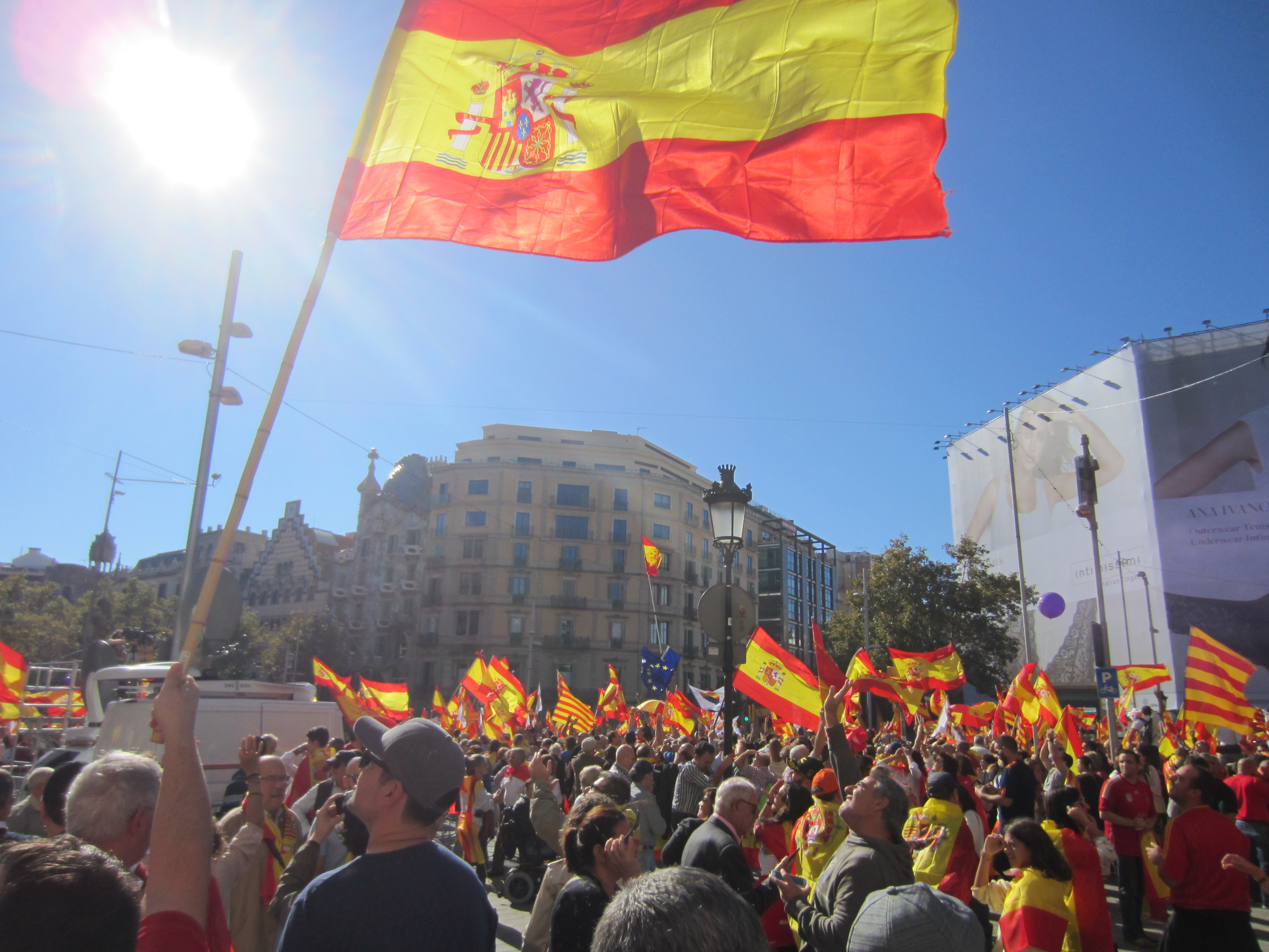 Spaniards Divided Over Catalonian Independence Vote