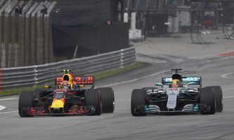 F1: Verstappen Wins in Malaysia, Hamilton Extends Championship Lead