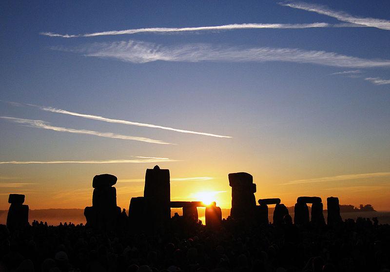 sunrise over stonehenge 2005